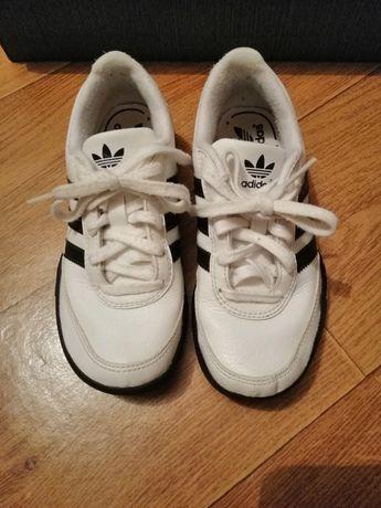 Кожаные белые кроссовки 30 р,19 см adidas