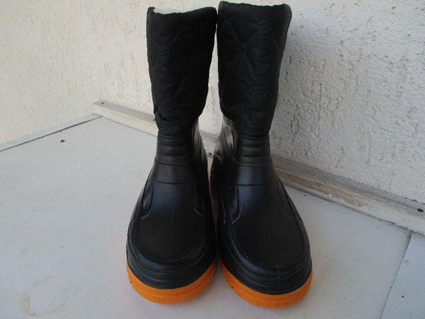 Теплые непромокаемые сапожки