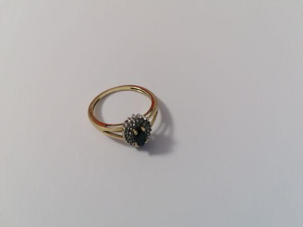 Pierścionek zaręczynowy szafir diamenty