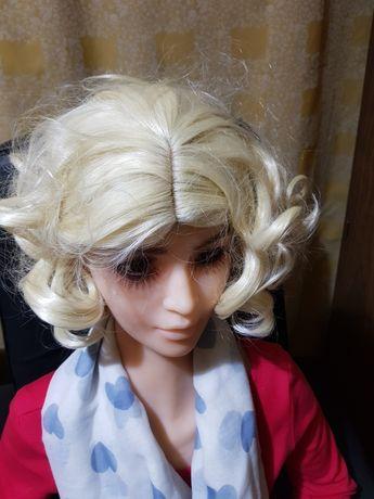 Peruka damska , bląd włosy
