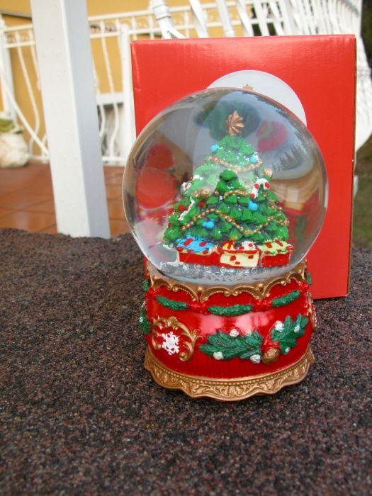 śnieżna kula z świąteczną figurką w środku Gorzów Wielkopolski - image 1