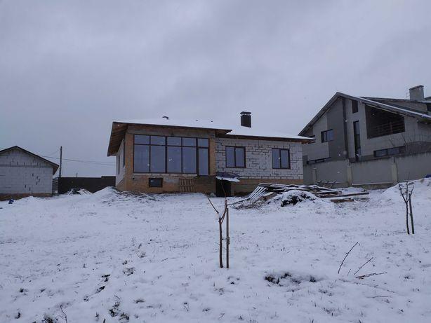 Продам новый дом в Большой Даниловке 142 м2 на участке 16 соток.