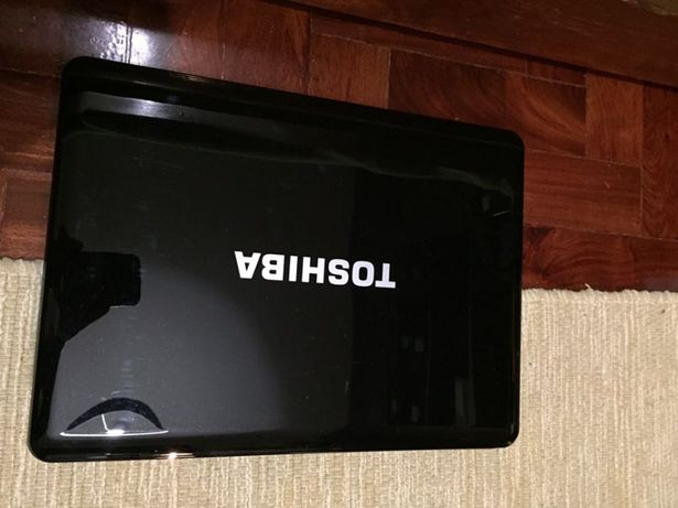 Toshiba Satellite A300 - LCD, carapaças, teclado e touch