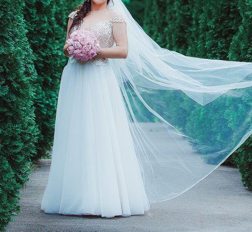Свадебное платье 2019 светлый айвори с размером