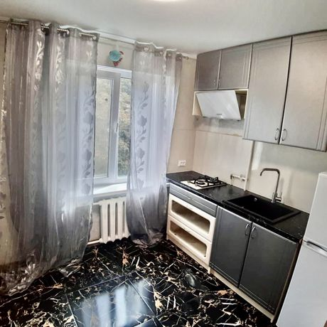 1 ком квартира с евроремонтом и мебелью