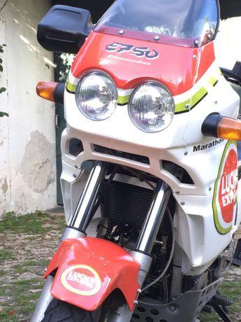Vendo Cagiva elefant 750 (motor ducati)