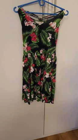 Rozmiar S, sukienka w kwiatowy wzór, sukienka lenia, dziewczęca