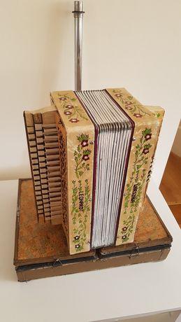 Sprzedam harmonię pedałową trzyrzędową akordeon