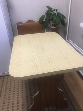 кухонный стол с лавками для хранения