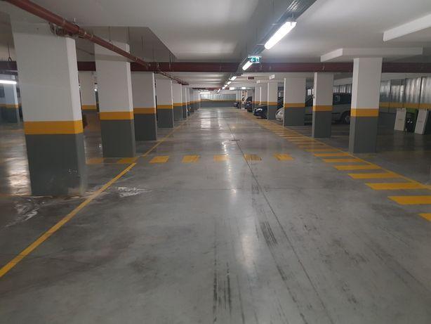 Parqueamentos lugares de garagem vila sol estancionamentos