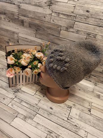 Вязаная шапка бини из полушерсти