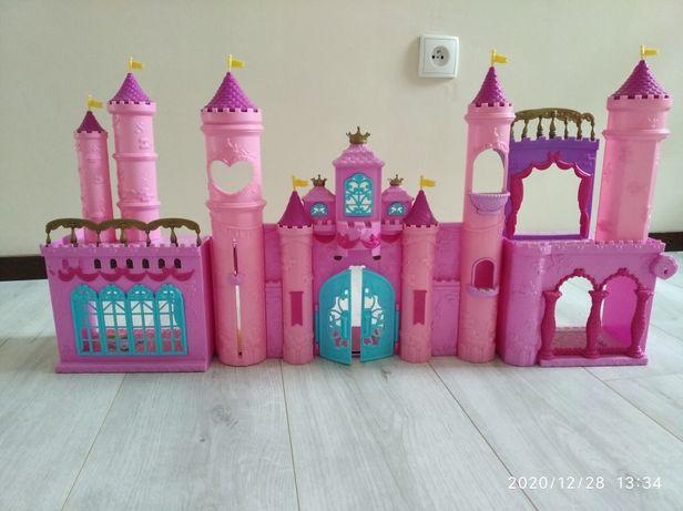 Zamek domek dla lalek