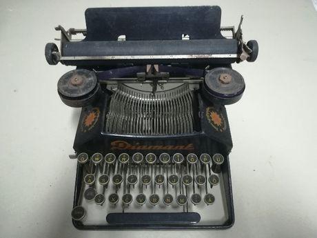Máquina de escrever Diamont