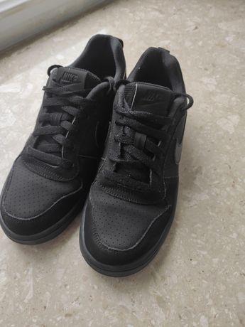 Кросівки Nike розмір 38