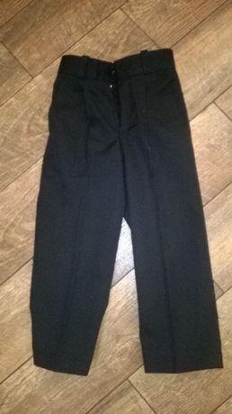 Продаю детские черные брюки размер 110