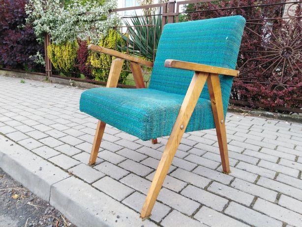 Fotel PRL ala Chierowski częściowo zrobiony do dalszej renowacji