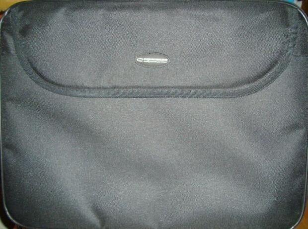 Dwie torby na laptopa