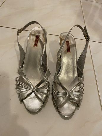 Sapatos varios
