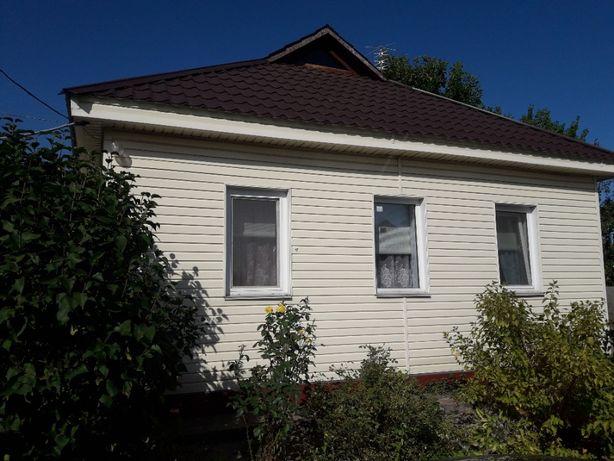 Затишний будинок у зеленій зоні