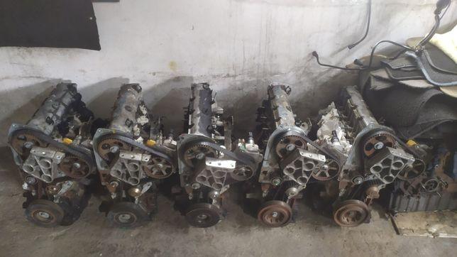 Мотор двигатель двигун 1.9 dci Рено трафік лагуна Меган сценік віваро