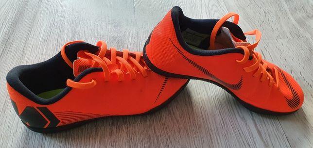 Buty Nike Mercurial halówki 37,5