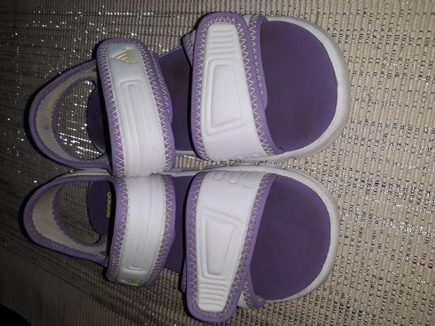Sandałki adidas 25 stan jak nowe