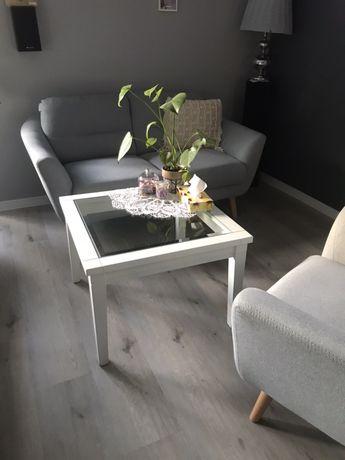 Stolik kawowy drewno z kryształem biały