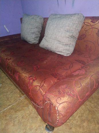Продам красный большой диван. Доставка
