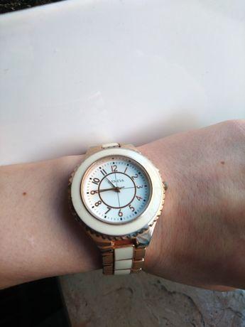 Zegarek złoty biały geneva