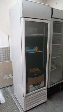 Холодильный шкаф (холодильник)