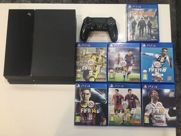 Playstation 4 w zestawie pad i gry