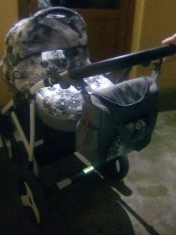 Wózek dziecięcy dla dziewczynki