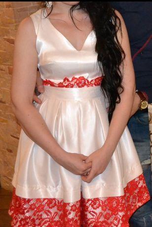 Платье нарядное торжественное вечернее белое красное атласное короткое