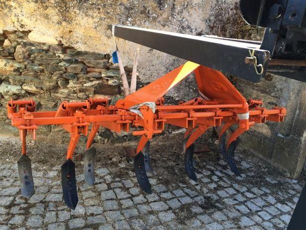 Escarificador e charruas agrícolas Galucho