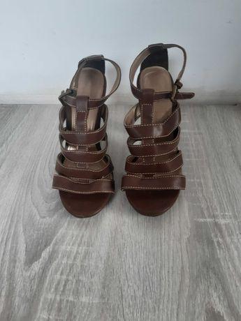Sandały brązowe 36