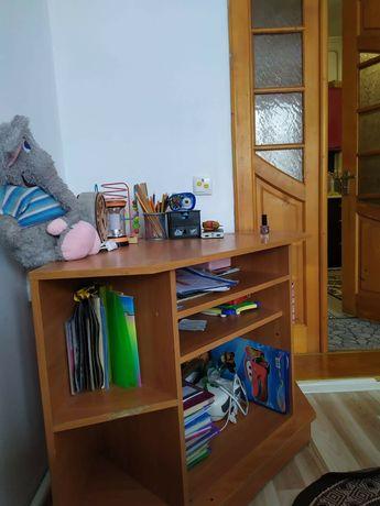 Тумбочка під телевізор або книги