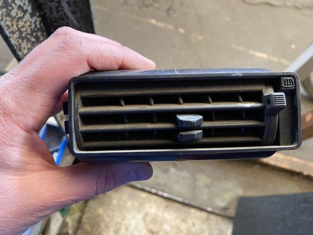Решетка воздуховода ВАЗ 2108-99 низкая панель