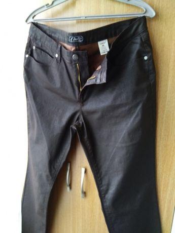 Брюки джинсы под кожу