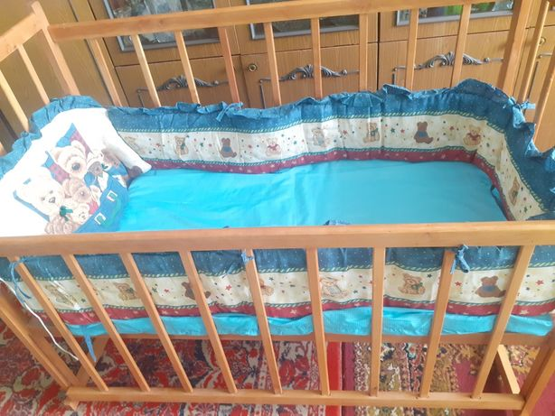 Кроватка-качалка новая.