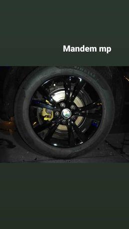 """Jantes 16"""" com pneus, do Giullietta"""