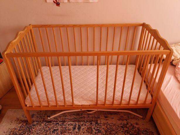 Łóżeczko drewniane z materacykiem 125cm×85cm