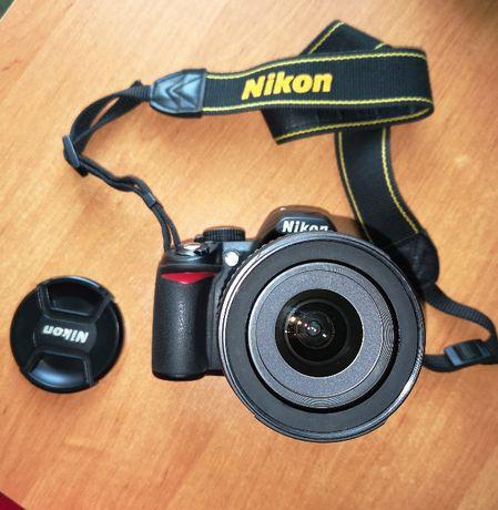 Nikon D3100 + VR 18-105mm