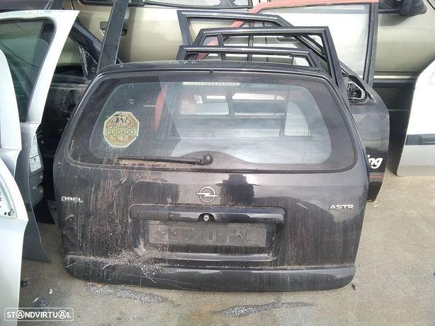Porta Mala Opel Astra G Cabriolet (T98)