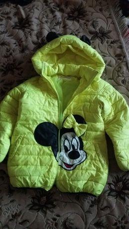 Продам детскую курточку на девочку