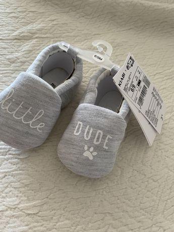 Pantufas bebé novas