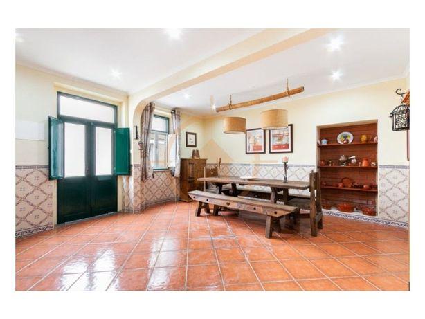 Encantadora Moradia T4 renovada na Vila de Cabeção - Mora
