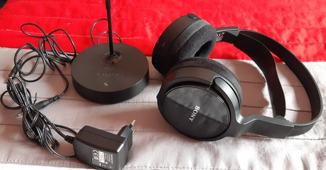 Auscultadores (headphones) Wireless SONY MDRRF811RK (On Ear - Preto)