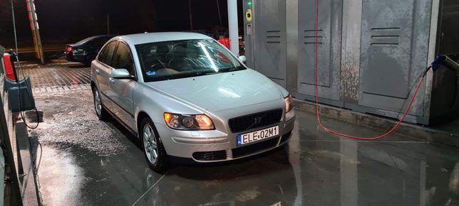 Anglik zarejestrowany Volvo S40 .