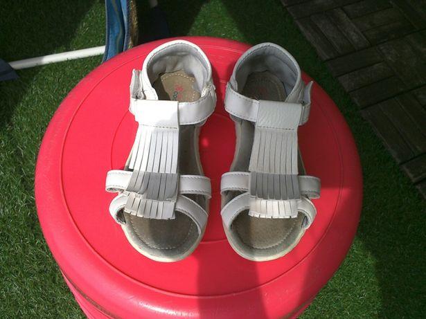 Sandałki dziewczęce firmy Coccodrillo w rozmiarze 26