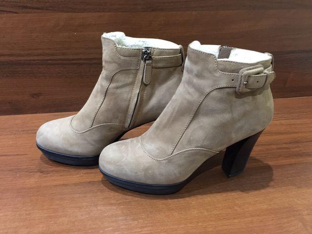Продам ботильоны, ботинки бренда TODS